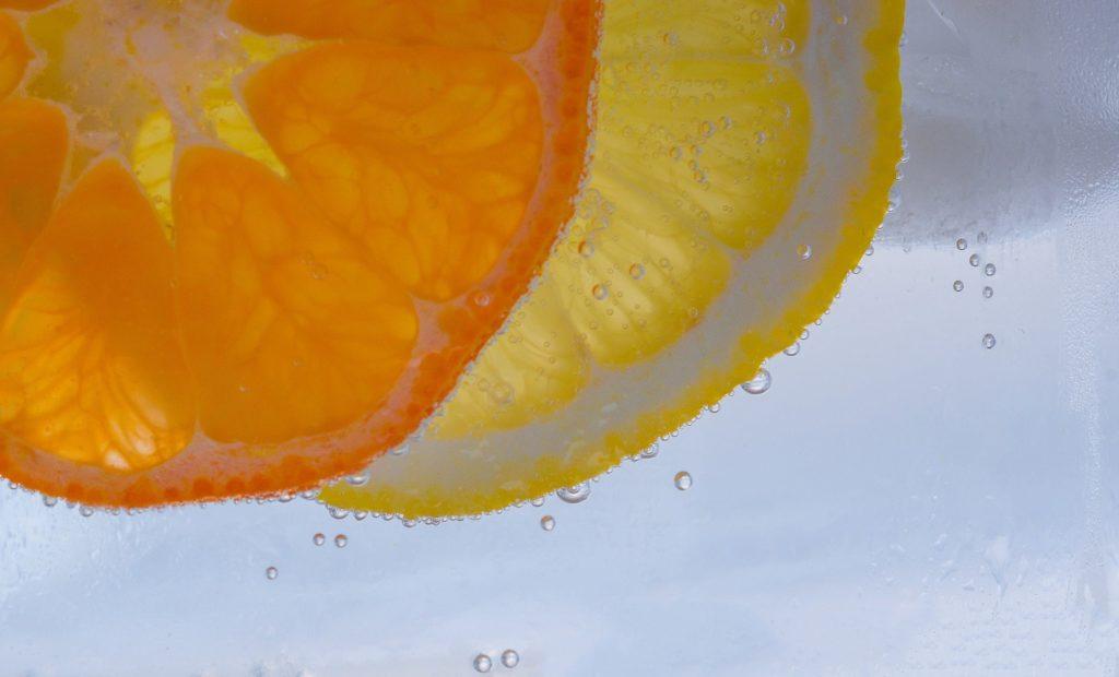 Лимони та апельсини